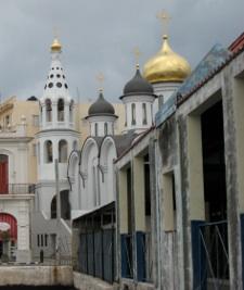 Habana Vieja cerca del puerto. Photo por Bronwyn Mills